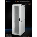 42U 19'  Стоящ комуникационен/сървърен шкаф. Размери: височина 2028мм; широчина 610мм; дълбочина 1000мм. Товароносимост: 2000 кг. Перфорирани врати. Цвят: светло сив